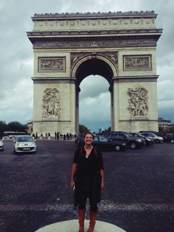 Megan Hanning-Bean at the Arc de Triomphe